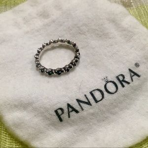 PANDORA RING 🌸SIZE 6 with bag🌸Like New